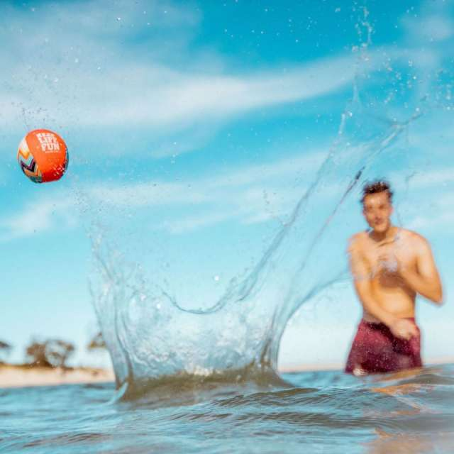 """Waboba Extreme 2.2"""" Water Ball"""
