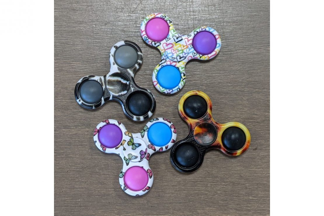 OMG Pop Fidgety Spinners - 3 sided