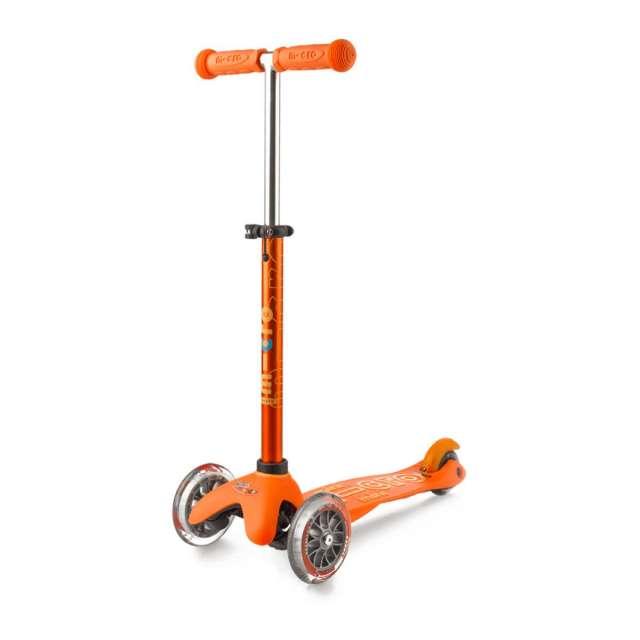 Mini Deluxe Scooter from Micro Kickboard