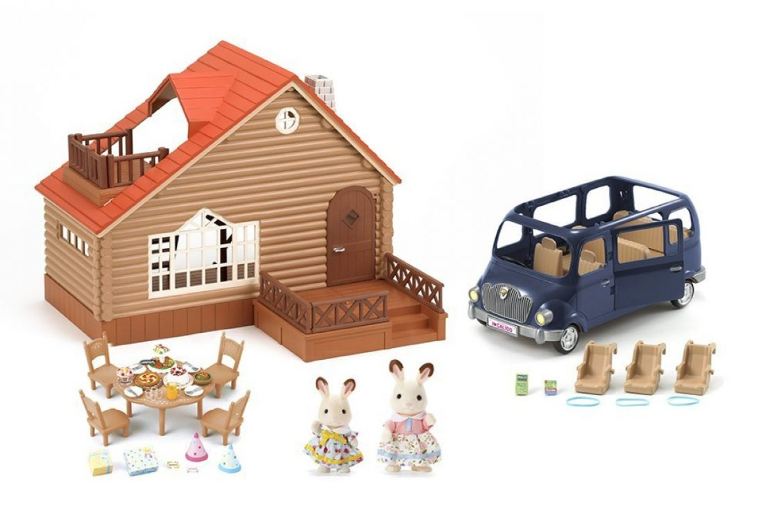 Calico Critters Lakeside Lodge Gift Set Contents