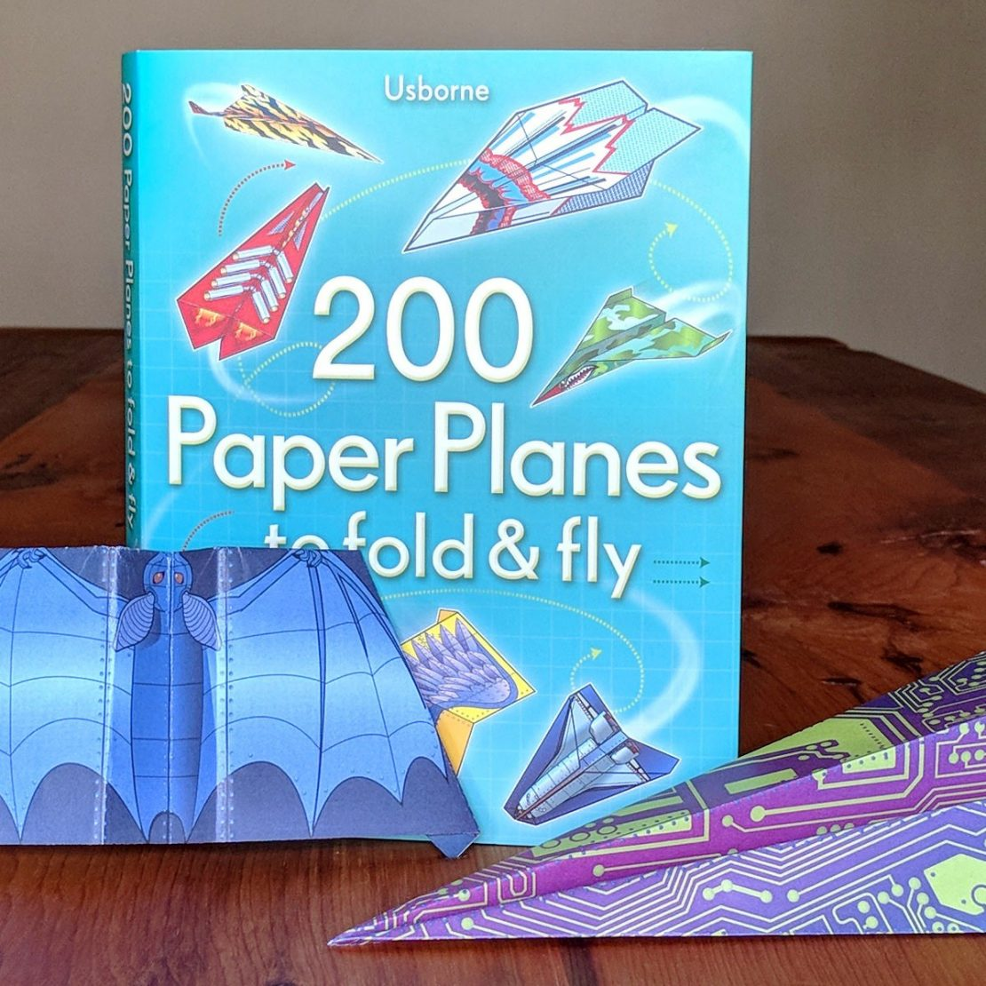 200 Paper Planes to Fold & Fly Book & Papers