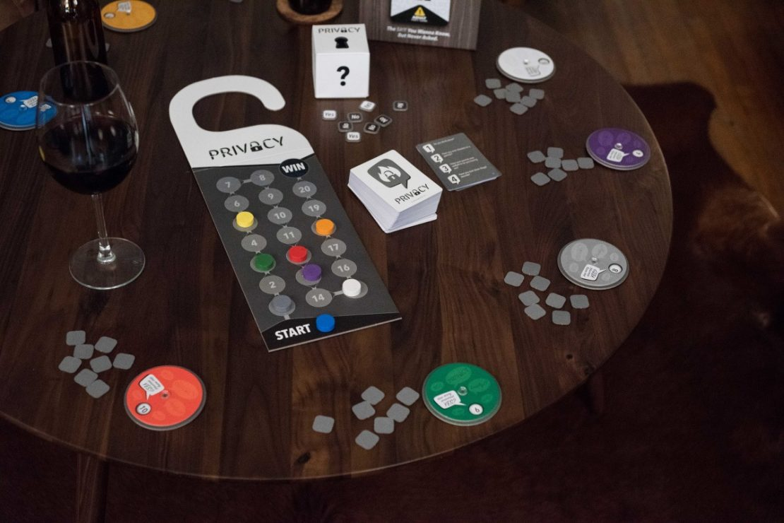 Privacy Game Table